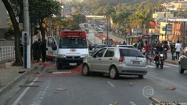 Mulher morre atropelada por motorista embriagado em BH - Homem está preso, segundo a polícia.