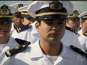 Navio escola - Navio-escola prepara os futuros oficiais da marinha brasileira. Alunos de navio-escola participam de exercícios no mar da Colômbia