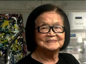Conheça a história e as obras de Tomie Ohtake - Tomie Ohtake iniciou a carreira aos 40 anos. A artista, que faz 100 anos em novembro, segue produtiva e pinta três vezes por semana. Sua obra abrange pinturas, gravuras e esculturas, muitas delas expostas em locais públicos da cidade de São Paulo.