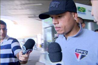 Após quatro jogos de suspensão, Luis Fabiano volta a defender o São Paulo na Libertadores - Camisa 9 do São Paulo é a aposta do time para eliminar o Atlético-MG em Belo Horizonte. Torcedores do Cruzeiro estão ao lado do time paulista na disputa.