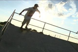 O esporte educa! - Flávio Coleta, um skatista de Bariri, usa o esporte para incentivar os jovens a estudarem