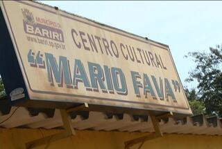Herói de Bariri - Naty Graciano visita o Centro Cultural Mário Fava e mostra a importância desse personagem para os Baririenses