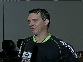Árbitros de futebol pedem trégua às torcidas, pelo dia das mães - Juizes de todos Brasil fazem homenagens.