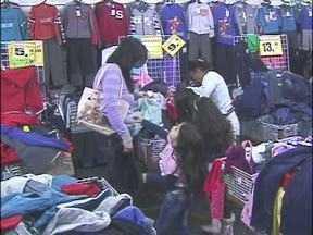 Comércio lota às vésperas do dia das mães - Muitos filhos levaram as próprias mães para não errar no presente