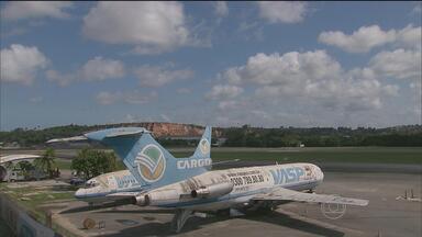 Sucatas da Vasp podem ser afundadas no litoral pernambucano - Aviões velhos vão ser integrados ao novo parque estadual de mergulho.