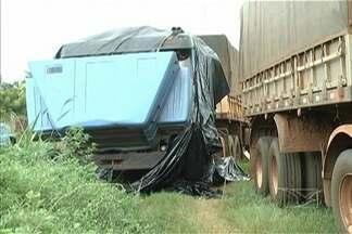 Polícia investiga roubo de carretas e caminhões no sul do Maranhão e no Piauí - Vários veículos já foram apreendidos. As investigações levaram a polícia a uma oficina para desmanche em Carolina.