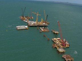 Conheça obra da Petrobras na Baía de Todos-os-Santos que gerou polêmica com a prefeitura - A administração municipal diz que a obra está sendo feita sem autorização.