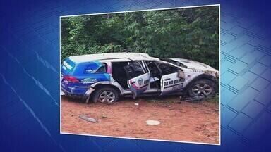 Viatura do Ronda no Bairro capota na Zona Oeste de Manaus - Dois policiais militares estavam no veículo no momento do acidente.
