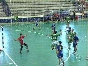 Campeonato de handebol em Umuarama - Equipes de 16 cidades estão em Umuarama para o campeonato paranaense.