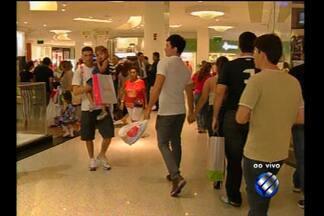 Shoppings de Belém ampliam horário de atendimento por causa do Dia das Mães - Confira informações da movimentação de pessoas com a repórter Tainá Aires.