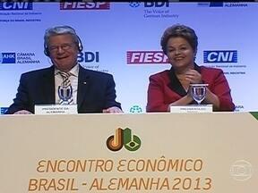 Dilma pede ajuda ao presidente da Alemanha para trabalhos da Comissão da Verdade no Brasil - O trigésimo primeiro encontro empresarial Brasil-Alemanha, em São Paulo, que abriu também o ano da Alemanha no Brasil, busca estreitar as relações entre os dois países.