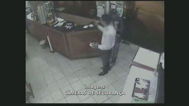 Câmeras de segurança registram roubo a restaurante na zona sul da capital - A Polícia procura os criminosos que roubaram um restaurante, na Chácara Santo Antônio, na zona sul da Capital. Foi o quarto em apenas um mês na região.