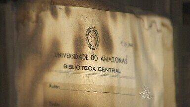 Incêndio atinge prédio de biblioteca de faculdade da Ufam, em Manaus - Incêndio atinge sala onde livros eram catalogados; perícia investiga causa.