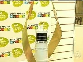 Taça do campeonato campeão potiguar está exposta em shopping de Natal - América e Potiguar disputam o título estadual.