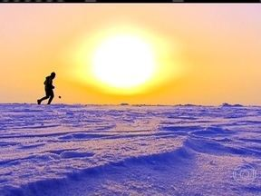 Fôlego Máximo: os desafios da maratona mais fria do mundo, no Polo Norte - Cercada de neve por todos os lados, Carol Barcellos conta como foi participar da corrida a 40 graus abaixo de zero.