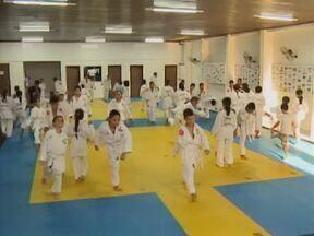 Projeto de Judô aproxima crianças e adolescentes carentes ao esporte - Projeto de Judô aproxima crianças e adolescentes carentes ao esporte
