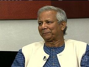 Muhammad Yunus vem ao Brasil para divulgar negócio social - O economista Muhammad Yunus, Nobel da Paz pelas iniciativas em combate à pobreza, está em São Paulo para lançar o projeto, que visa resolver problemas em comunidades pobres com empresas. Para ele, é preciso fazer mais que programas sociais.