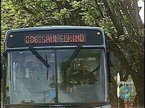 Projeto de ônibus de graça para estudantes de Londrina será enviado à Câmara - O prefeito Alexandre Kireeff confirmou que vai mandar o projeto que isenta alunos das escolas municipais para votação dos vereadores dentro de 15 dias. A medida deve começar a valer em 2014.