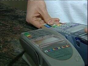 Veja como evitar que o seu cartão de crédito seja clonado - Em Foz do Iguaçu, até um delegado de polícia teve o cartão clonado.