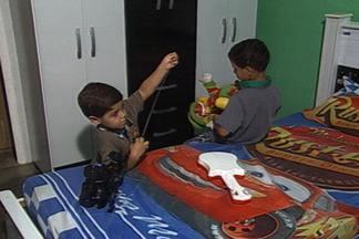Como encaixar na rotina dos filhos as tarefas domésticas - Dependendo da idade eles podem ajudar nas atividades do dia-dia na casa.