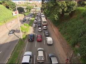 Prefeitura anuncia mudanças no trânsito de Salvador - As mudanças são para tentar reduzir os engarrafamentos nas ruas e avenidas da cidade. A prefeitura também anunciou alterações na lei de Carga e Descarga.