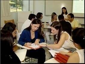 Encontro em Fabriciano discute assuntos relacionados à saúde da mulher - Encontro em Fabriciano discute assuntos relacionados à saúde da mulher.