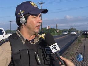 Representante da PRF fala sobre os cuidados que motoristas devem ter na estrada - Confira também com está o movimento de saída de veículos em Vitória da Conquista.