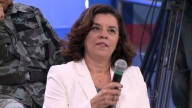 Áurea de Souza tira dúvidas sobre domésticas que dormem no trabalho - Juíza diz que elas terão direito a receber hora adicional se forem solicitadas após o horário de trabalho