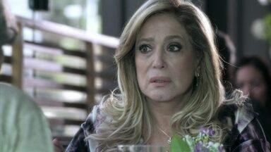 Amor à Vida - Capítulo de quarta-feira, dia 05/06/2013, na íntegra - Paloma pede para Bruno ficar com ela. Pilar se recusa a contar para Félix por que Bernarda não gosta de César. Félix exige que Aline se mantenha longe de sua família. Pilar afirma que segredo de família pode abalar Félix e Paloma