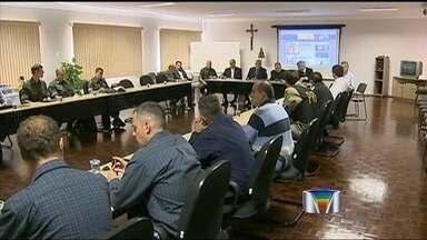 Reunião fecha esquema da visita do Papa Francisco a Aparecida (SP) - Comitiva do Vaticano se reuniu com representantes do Santuário Nacional. Santo Padre passa pela cidade durante a Jornada Mundial da Juventude no mês que vem.