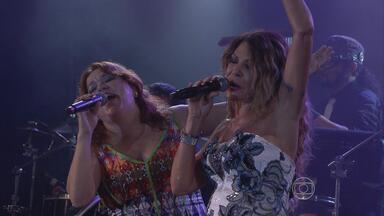 Sítio da Trindade, no Recife, recebe atrações do São João 2013 - Arrasta-pé na capital conta com apresentação de cantores e bandas de forró.