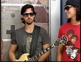Em Valadares é realizada a segunda noite deo Festival de Rock - Banda prevista para abrir o festival é a Noz Moscada. No Vale do Aço o show é com a banda Carbono 14.