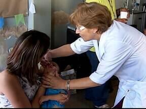 Sábado é dia de vacinação contra a paralisia infantil em Uberlândia - Pais devem levar os filhos de seis meses a cinco anos incompletos para vacinar.