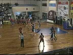 Novo Basquete Ponta Grossa já tem duas vitórias na Taça Paraná - Amanhã times voltam a quadra para decisão final