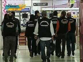 Nova operação para fiscalizar irregularidades nos supermercados de Londrina - O trabalho da Vigilância Sanitária começou ontem na cidade