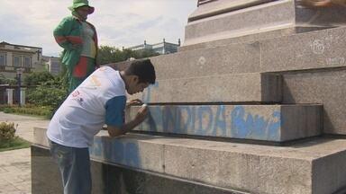 Vandalismo atinge cidade de Manaus - Pichações deixam a cidade mais feia além de causar grande prejuízo aos cofres públicos.