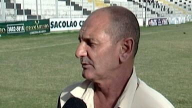 Time de Araxá apresenta treinador italiano - Lucca Baggio será o novo responsável por fazer o Araxá reagir na Série D do Campeonato Brasileiro.
