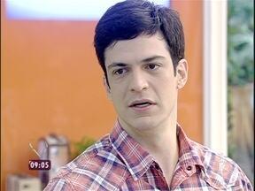 Solano sobre Félix: 'É muito sofrido você ter que maquiar sua condição sexual' - Ator revê cena de desabafo e atribui personalidade perversa a não aceitação