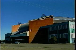 Ginásio Teixeirinha está interditado - Problemas na estrutura e risco para a população levaram ao fechamento do ginásio