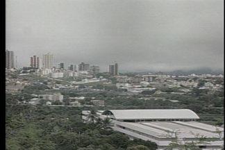 JPB2JP: Choveu muito durante todo o dia em Campina Grande - Previsão é de mais chuvas nas próximas horas.