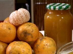 Veja como fazer uma geleia de bergamota - Produção é tão grande em 2013, que parte acaba se perdendo.