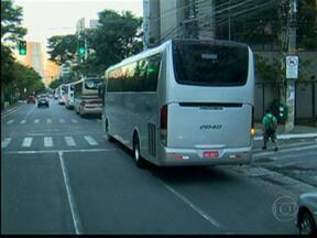 Vias de São Paulo têm trânsito liberado para ônibus fretados - Vinte e uma das 45 vias que faziam parte da Zona de Restrição em São Paulo foram liberadas para os ônibus fretados em São Paulo, segundo anúncio feito pela Prefeitura nesta quinta-feira (20).