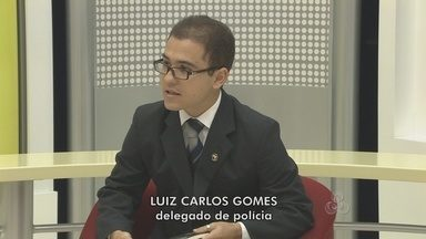 Entrevista com o delegado Luiz Carlos, titular da delegacia de tóxicos e entorpecentes - O comércio de entorpecentes na capital tem dado muito trabalho para a polícia, que para ter êxito nas operações tem contado muito com o apoio da própria população.