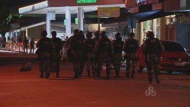 A segunda noite de pretestos em Macapá termina em confronto com a polícia - O protesto continuou ontem nas ruas de Macapá e acabou em confronto com a polícia. E mais de uma vez a ação de vândalos deixou estragos. Lojas foram depredadas.