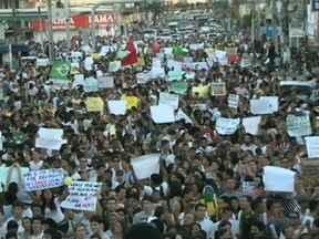 Manifestações ocorreram também no interior do estado - Em Feira de Santana, o acesso à rodoviária foi bloqueado.