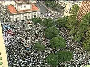 Organizadores de manifestação condenam violência - O universitário Tadeu Lemos disse que, na próxima semana, vão se reunir para definir os próximos passos do movimento. Na manifestação desta quinta-feira (20),