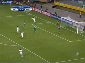 Apesar do apoio dos baianos à Nigéria, Uruguai vence na Arena Fonte Nova - O uruguaio Forlán foi o nome da partida.
