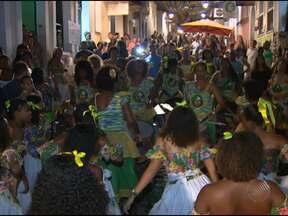 São João no Pelourinho anima baianos e turistas em Salvador - As atrações foram variadas nas praças e ladeiras. Até samba de roda agitou o público na sexta-feira.