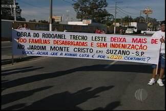 Moradores de Suzano fazem manifestação - Moradores de Suzano fizeram uma manifestação neste sábado (22) pelas ruas da cidade. As principais vias do municípios foram fechadas.