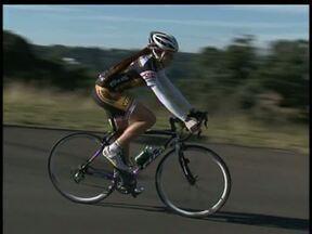 Ciclista de Guarapuava se destaca no esporte nacional - A atleta Ana Paula começou a pedalar aos 15 anos em Guarapuava e hoje é campeã brasileira no esporte.
